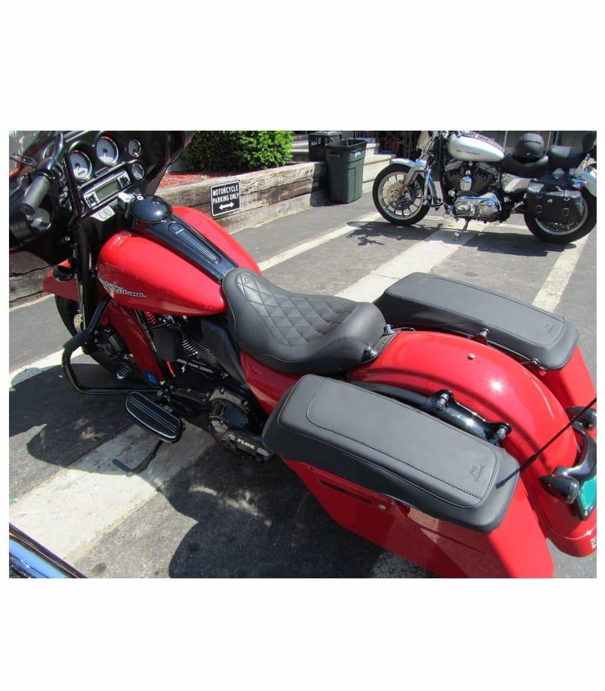 Mustang Saddlebag Lid Covers Plain on a Red Custom Bike